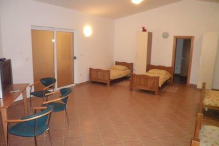 Three-Bedroom Suite - Appartamento
