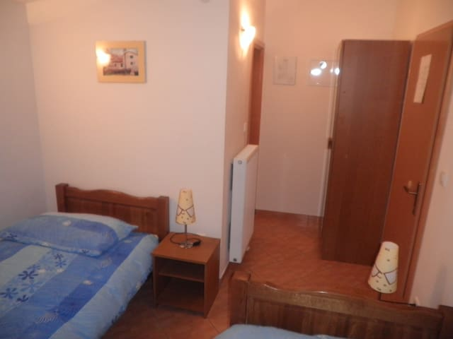 Twin room - Hrvace - Apartment