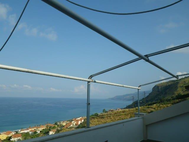 Wonderful Terrace on Mediterranean - Intavolata - Lägenhet