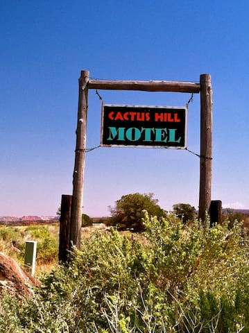Capitol Reef/Cactus Hill Motel 1 GO TO OFFICE
