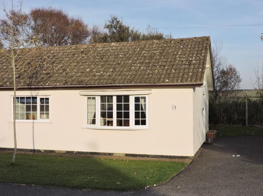 Cwtch cottage front