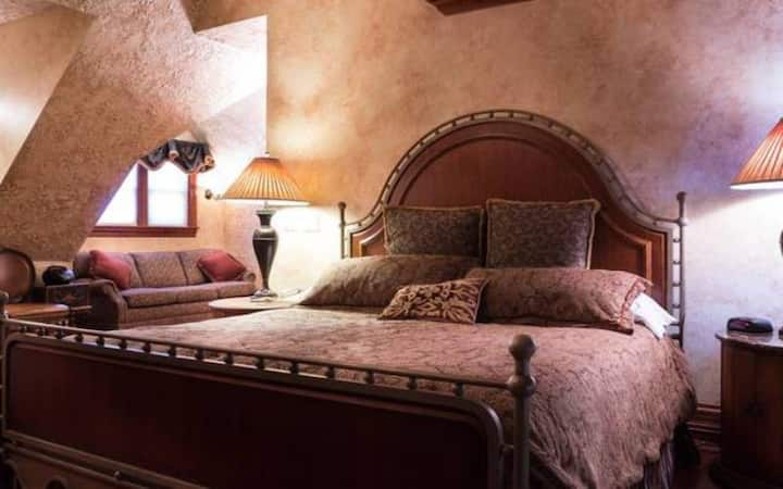 Kihm Suite King Bed