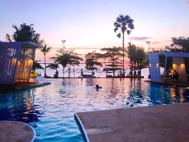 芭提雅 苠宿 中天海滩 lumpini伦皮尼公寓 出门就是海滩 夜市 一居