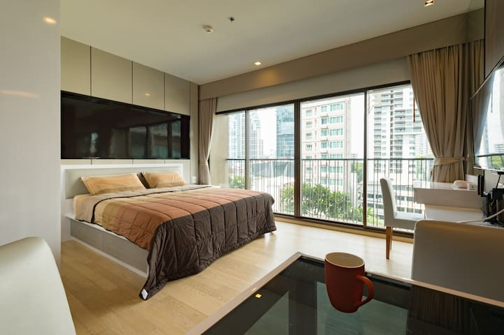 Lux 3min BTS fully equipped studio w/ pool&gym