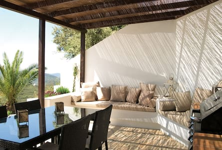 Cozy house, well equiped+ own pool- beautiful view - Canillas de Aceituno - Ev