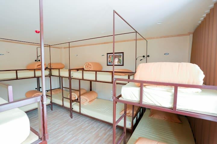Cat Ba De Dita Dorm room