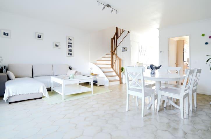 Maison calme pour votre famille - Cabriès - Casa