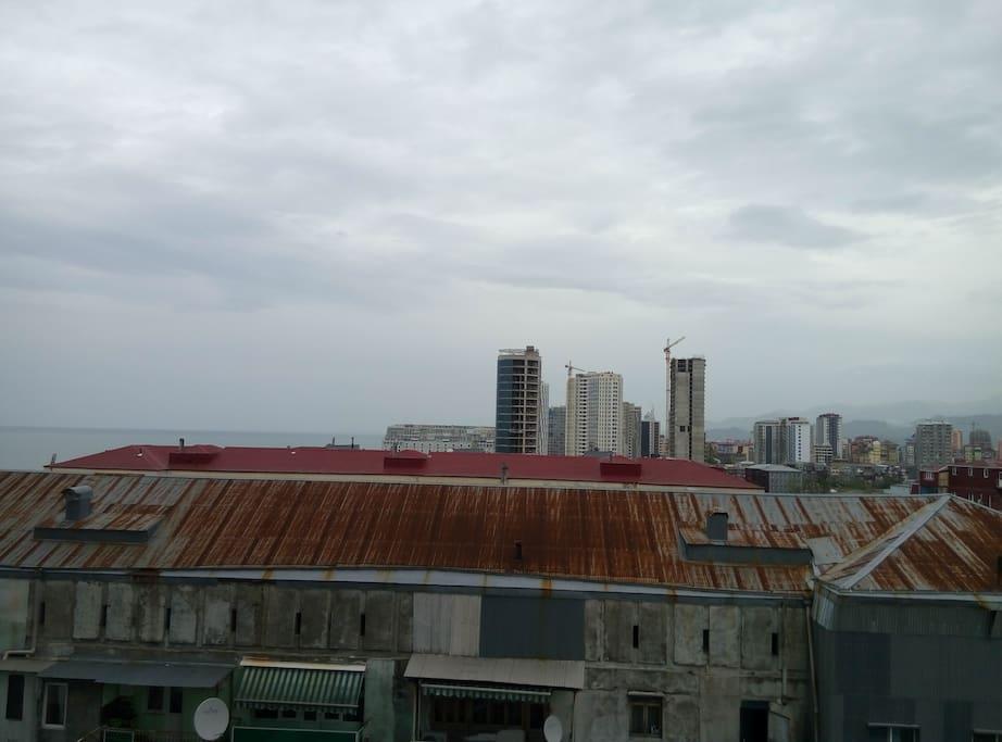Вид с балкона в сторону Батуми
