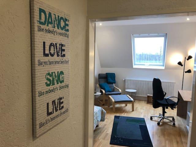 Blick in den Wohnschlafbereich