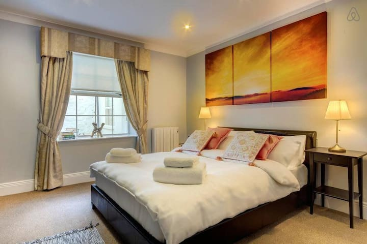 Ballsbridge / Aviva Stadium Home Close to City Centre Sleeps 4
