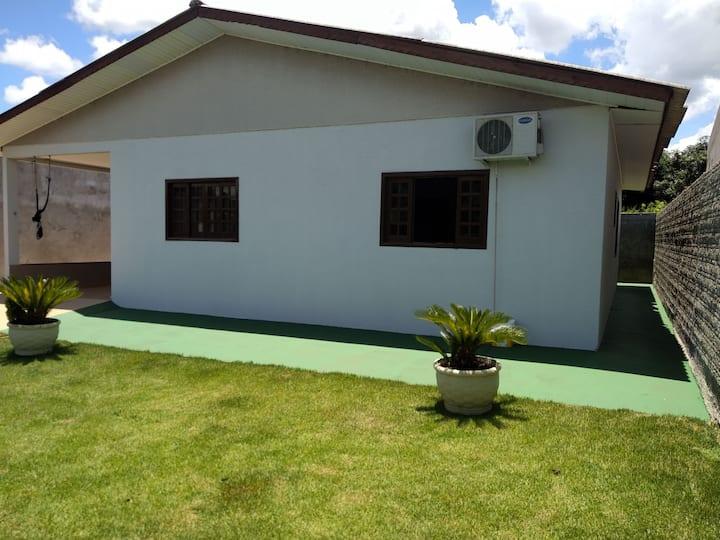 Casa Ampla 3 quartos, próx  Av. Das Cataratas