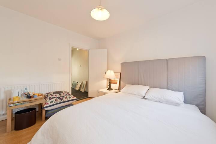 Quiet double bedroom , South Dublin 8