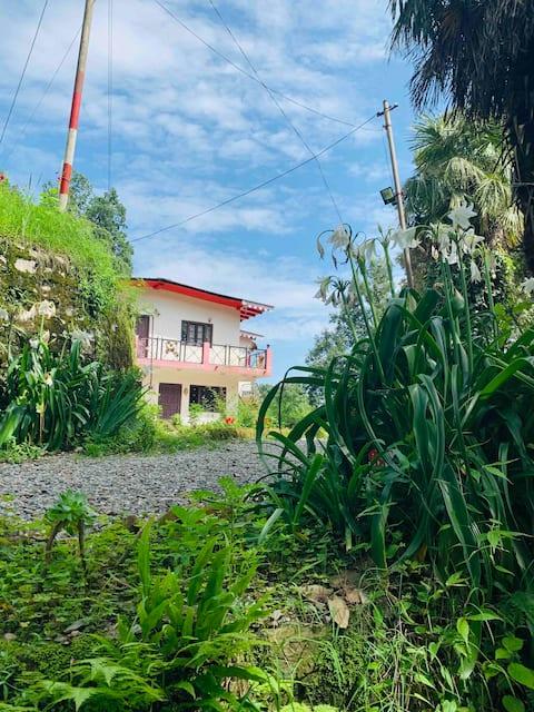 Laxmi Niwas - The Lake View Cottage, Nainital
