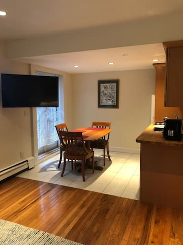 COZY & CLEAN APT NEXT TO PRUDENTIAL CENTER