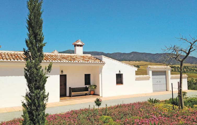 Holiday cottage with 4 bedrooms on 140 m² in Pizarra
