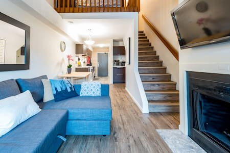 Cozy Apartment in Creekside - Walk to the lifts