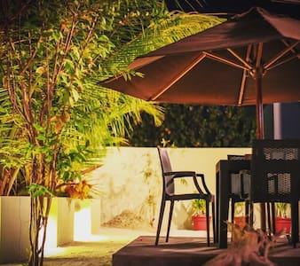 Private Rooms in Himeyn Beach Retreat