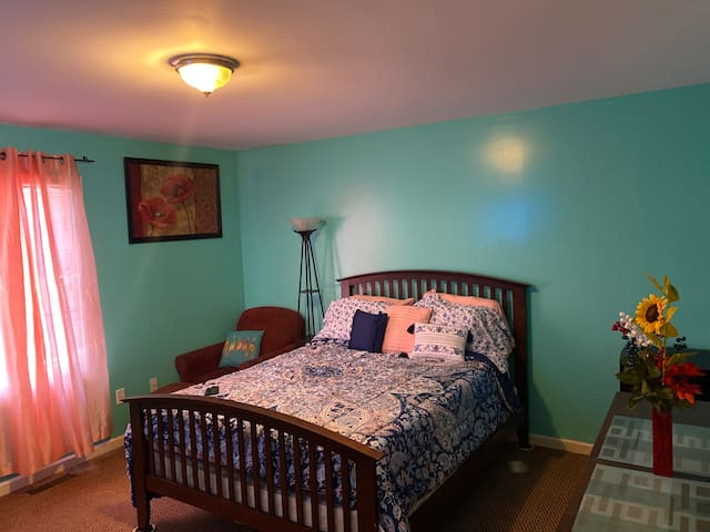 PRIVATE BEDROOM WITH PRIVATE BATHROOM near I95