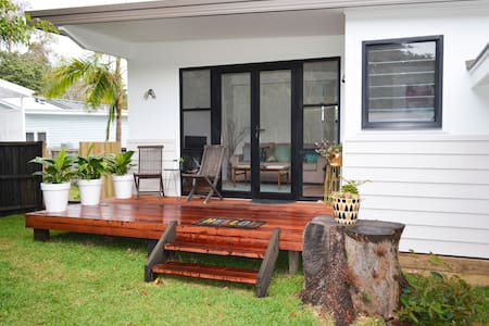 Beach Suburb - 2 Bedroom House - New Build - Avalon Beach - Villa