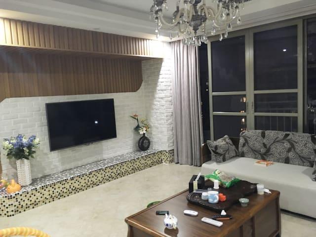 位于长湖苑安静舒适的居家房间 - Huizhou - Gæstesuite