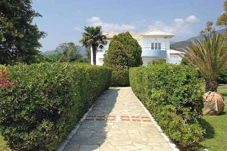 New listing! Villa in Volos - Huis
