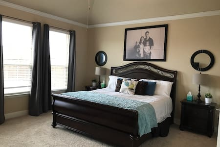 Master Suite in Sachse - Sachse