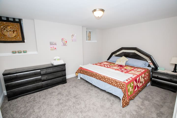 Large, Private, King Bedroom  Newly Renovated (3)