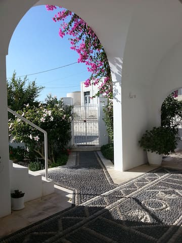 Elegant house in Pyrgos, Santorini - Pyrgos Kallistis