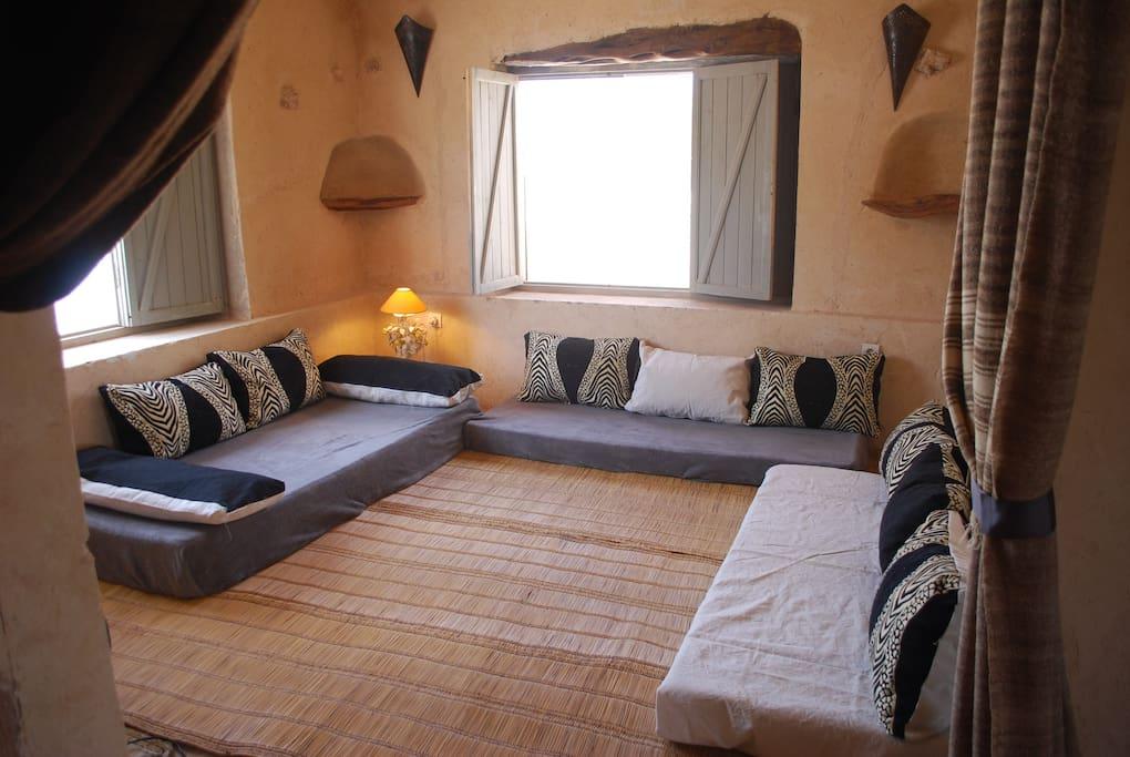 salon marocain pouvant être aménagé en chambre - suite beldi