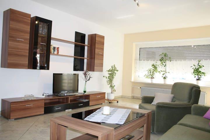 Grosse Ferienwohnung im Spessart  - Hausen - Apartamento