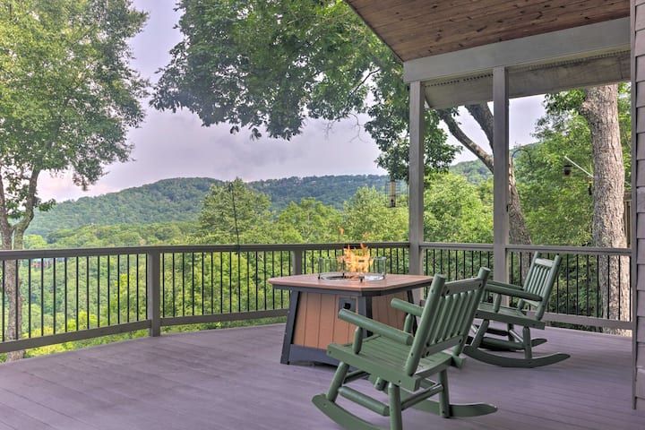 NEW! Bright Wolf Laurel Cottage w/ Mtn View & Deck