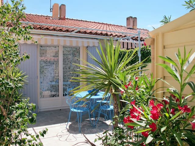 Holiday House Romarine for 4 persons in Le Grau du Roi
