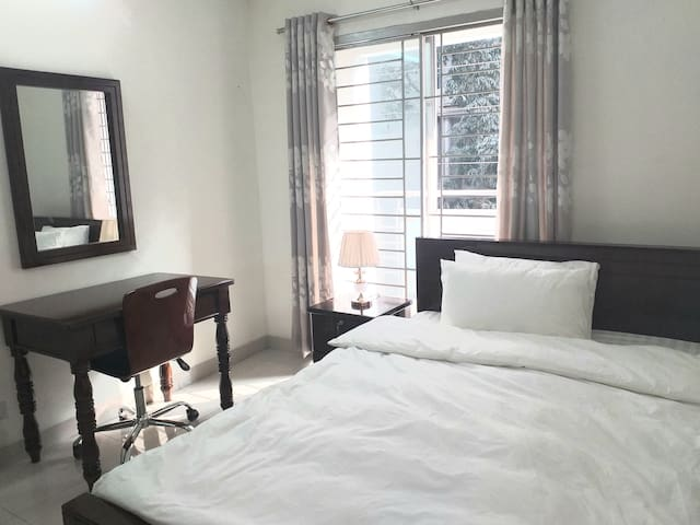 1 private room for long  stay in Apt  in Banani
