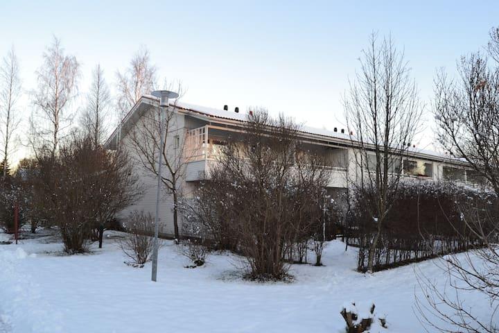 Cosy apartment at a terraced hous - Oulu - Ház