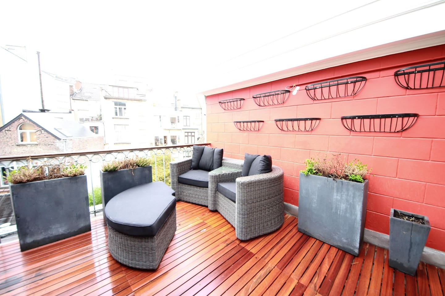 A terrace: perfect for relaxing under the sun or the stars!