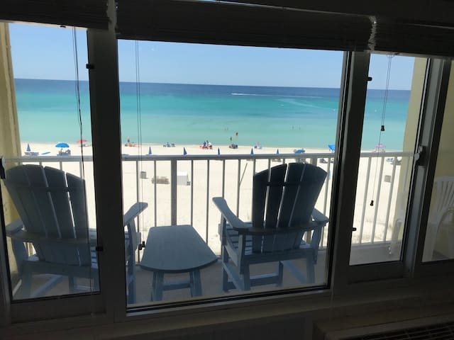 Sea La Vie - #415 Private Balcony / Beach Front