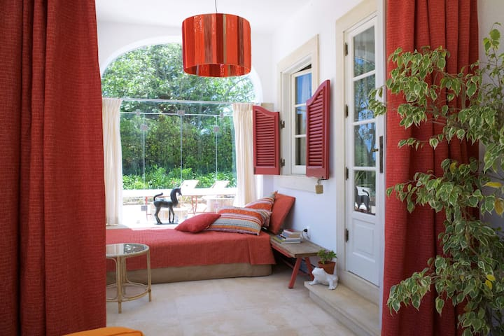 Villa within beautiful private property - Sintra - House