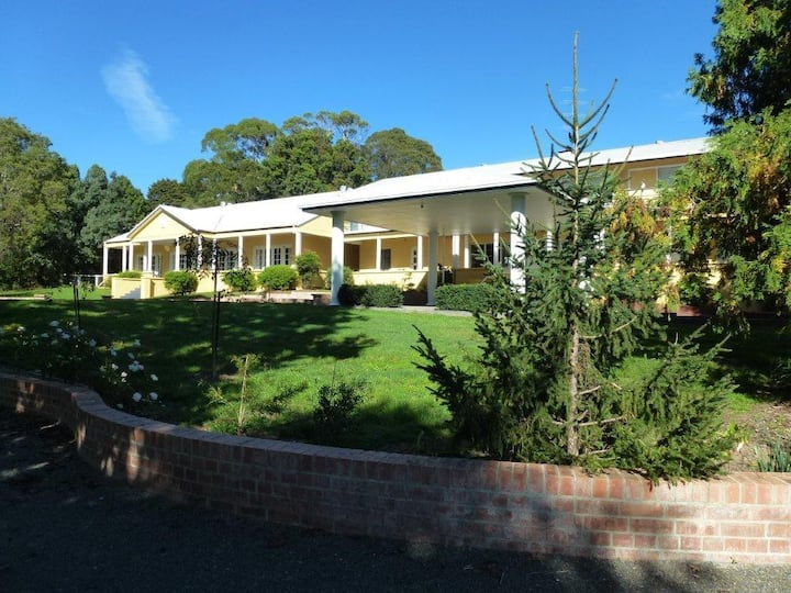 Bundanoon Lodge (Whole House)