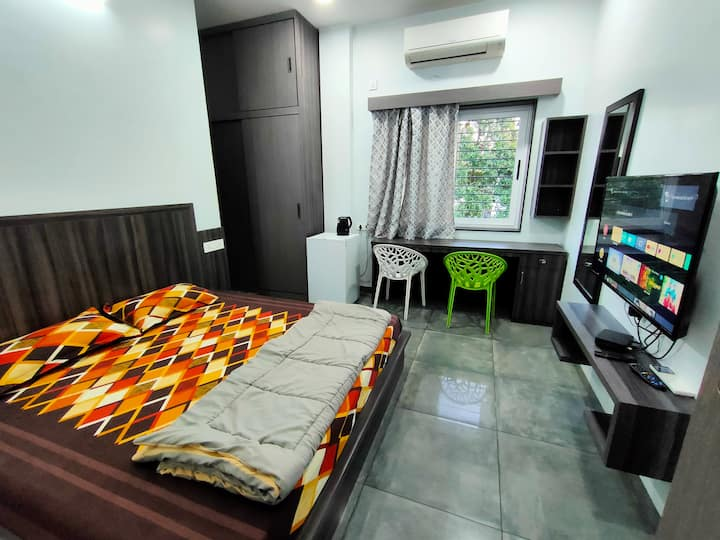 Shrivardhan Homestay Private Room 203