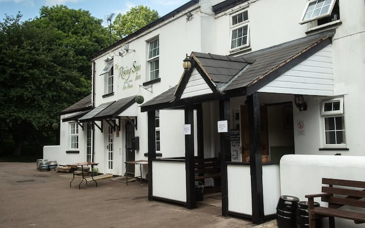 Forest Of Dean Accommodation at The Rising Sun Inn