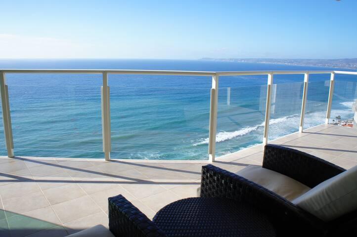 3 Bedroom Oceanfront Condo 16th FLR