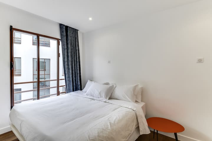 Room #2 (King size Bed or 2 Single Beds)