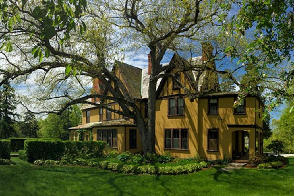 charles cheney inn houses for rent in manchester connecticut united states. Black Bedroom Furniture Sets. Home Design Ideas