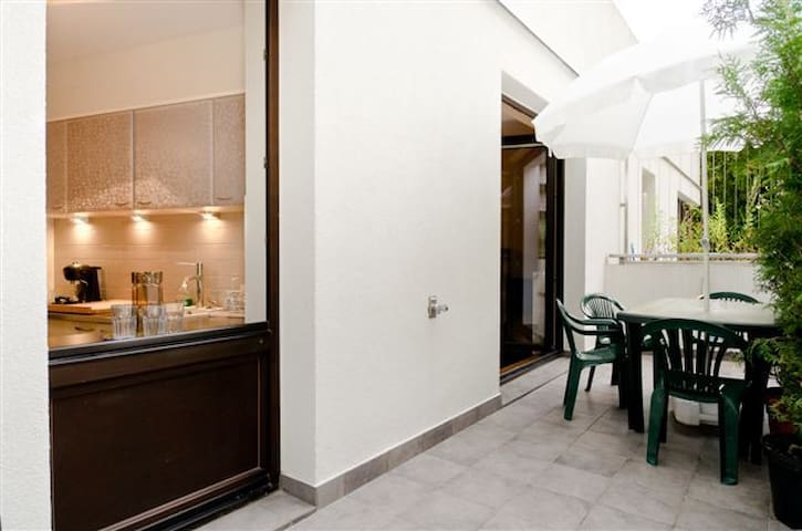 Towarowa35Cent2rooms1-7pTarasGarage - Warsaw - Apartment