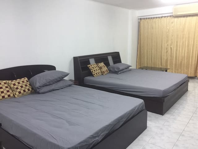 5 Mins from Skytrain,2 King size beds - Nonthaburi - Apartamento