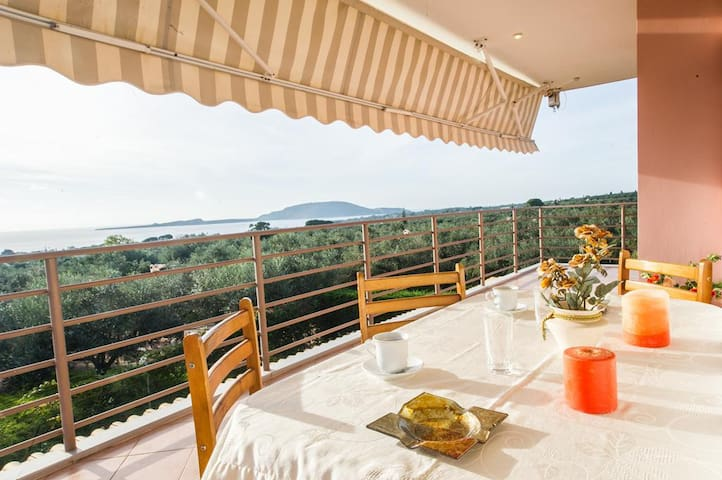 2 apts/ Amazing sunset / Massive Garden / Sea View - Marathopoli - Huoneisto
