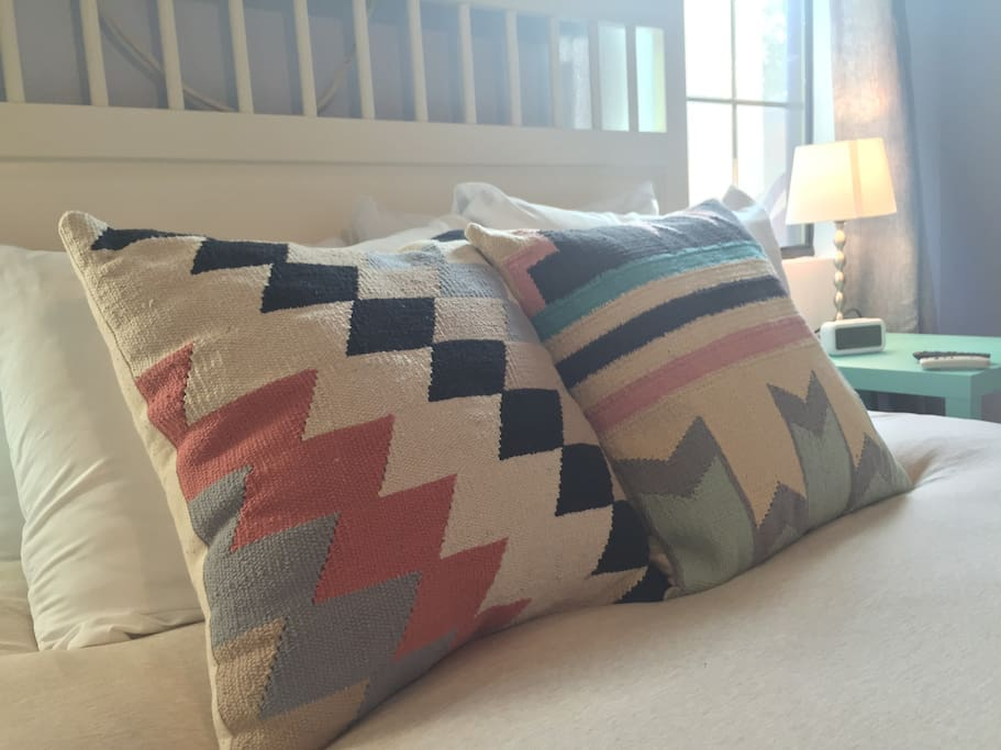 4 top-reviewed pillows, 2 throw pillows, and a queen-sized, luxurious mattress means a great night's sleep!