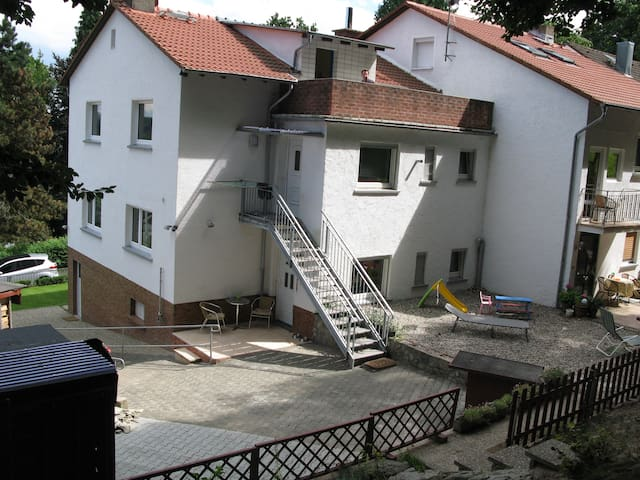 Ferienwohnung am Waldrand - Kelkheim (Taunus) - Leilighet