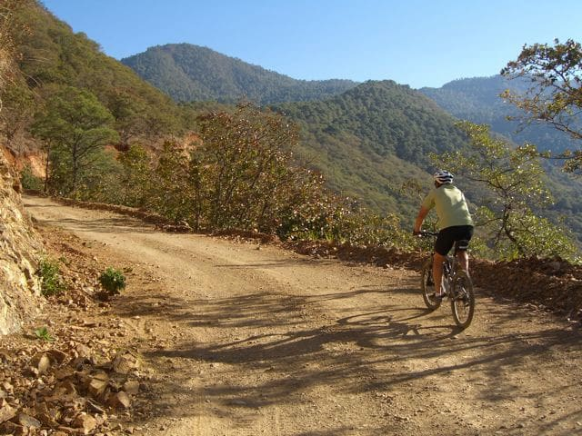 Biking into the hills above El Barco, in San Pablo Etla