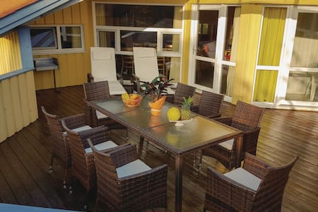 Holiday cottage with 5 bedrooms on 150m² in Groß Mohrdorf